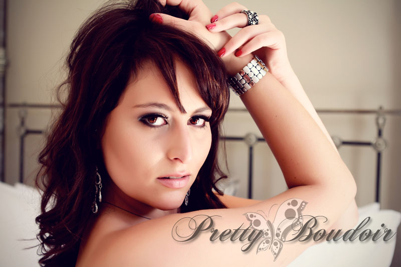 boudoir poses; boudoir; Shelley Burt; Classic poses; clients; boudoir photographer