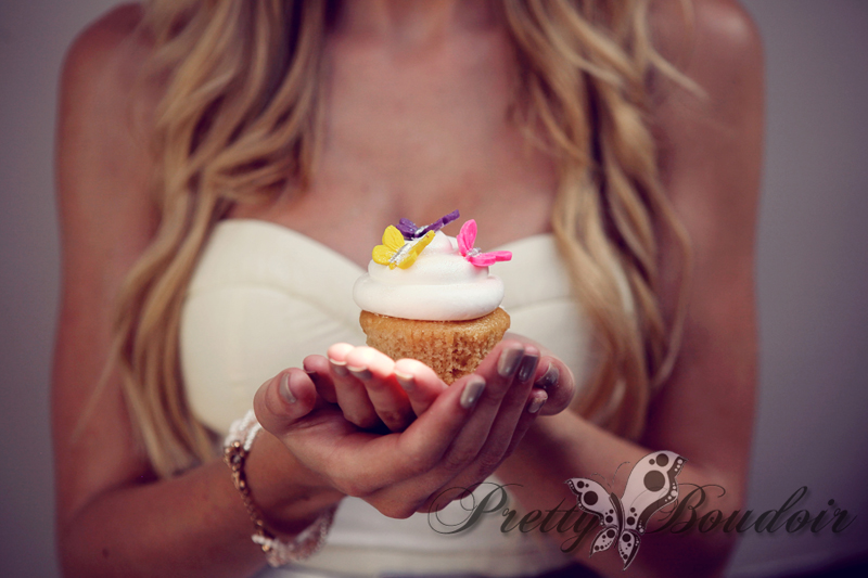 shelley burt, pretty boudoir, boudoir photographer, boudoir, glamour, cupcakes, cupcake boutique